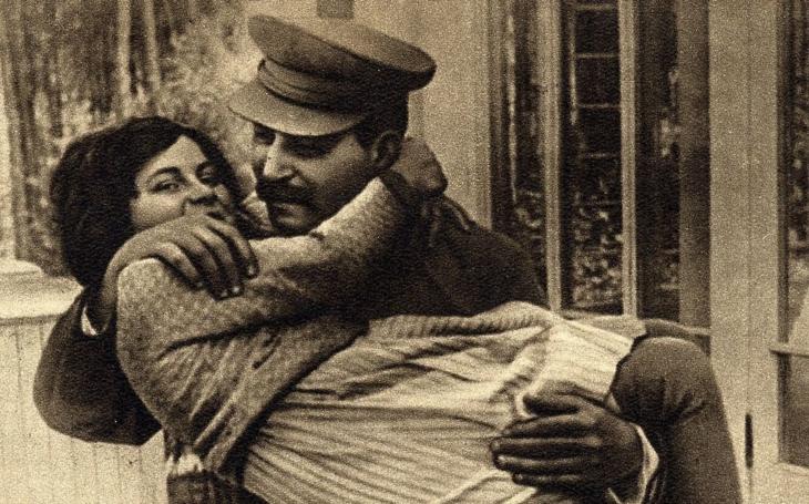 Dcera krutého diktátora vyrostla v pohodlí, přišla ale o všechny, které milovala. Marně hledala klid, dokonce opustila i své děti. Tajnosti slavných