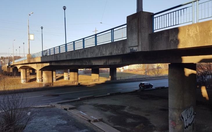 Práce na rekonstrukci mostu Generála Pattona začaly. Výstavba se uskuteční ve dvou etapách