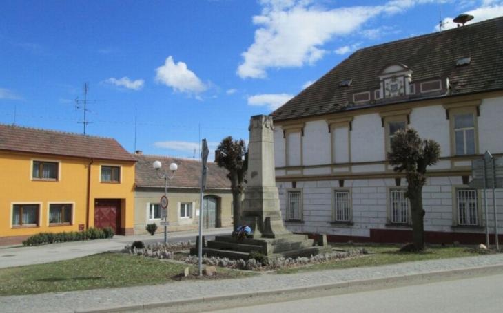 Zaniklou tradici se podařilo obnovit v Dolním Bukovsku. Zájem o setkání heligonkářů předčil všechna očekávání