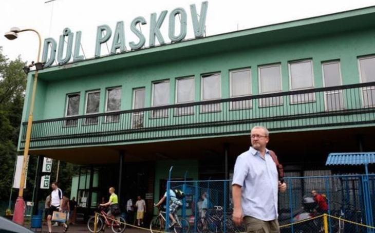 Státní podnik Diamo zřídil pro propuštěné horníky na Dole Paskov pracoviště pro vyřizování příspěvků