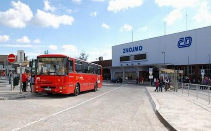 Starosta Gabrhel vyzývá řidiče autobusů ve Znojmě, aby se do stávky zapojili pouze symbolicky