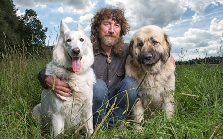 Prachatičtí kynologové zvou na setkání s psychologem psů Rudolfem Desenským, vašimi psy a dětmi. Háravé fenky a malá štěňátka hlaste při příjezdu