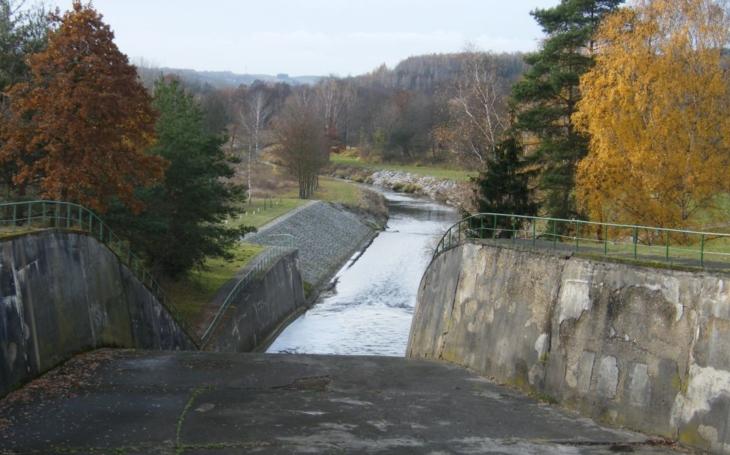 Klabavská přehrada prochází rekonstrukcí. Páteřní cyklostezka Plzeň-Praha zůstane přesto průjezdná