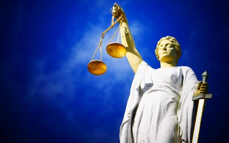 Kdo má přednost u českých soudů? Tomu neuvěříte. Zatímco našinec se marně soudí léta, žaloba žadatele o azyl musí být vyřízena do 7 dnů