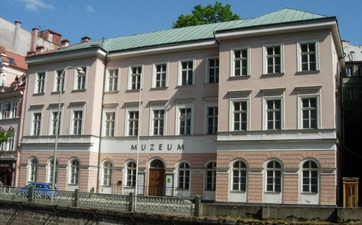 Karlovarské muzeum v novém můžete navštívit od 20. dubna. U příležitosti 150 let své existence představí novou podobu stálé expozice v přestavěných prostorách