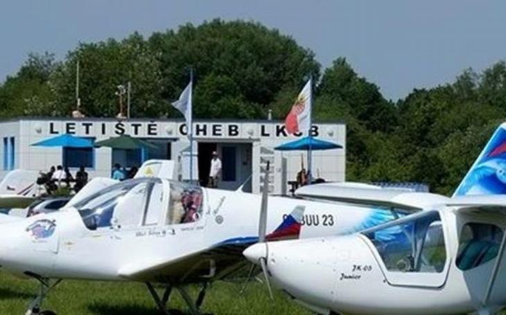 Chebské letiště oslaví sté 'narozeniny'. Během programu zahřmí nad městem nejen armádní gripeny