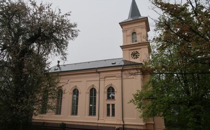 Oprava evangelického kostela ve Chvaleticích je po šestnácti letech dokončena. Jeho novou kulturní éru odstartoval Jiří Stivín