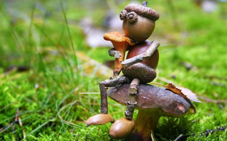 Ještě jste je v lese nepotkali? Tihle drobečkové mají vždycky v zásobě neobvyklé řešení na všechny trampoty. A moudrá velryba zase odhalí, jak to chodí pod hladinou oceánu