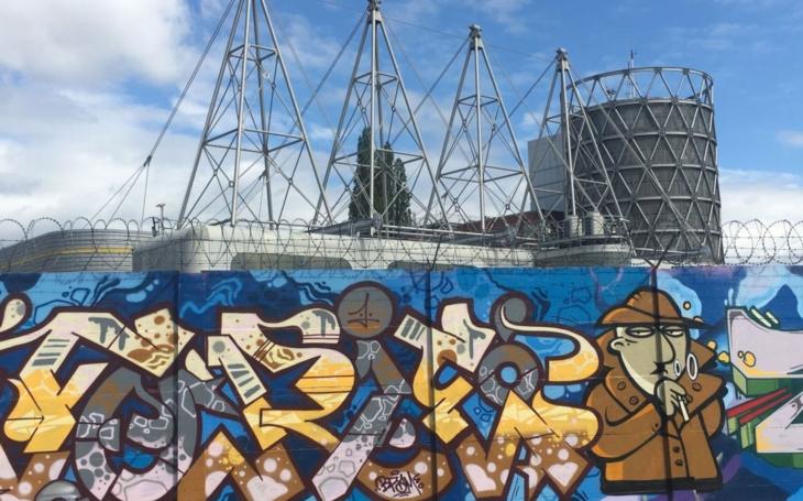 V Brně vzniklo obří graffiti. Malby na zdi plynárny zabírají více než 800 metrů čtverečních