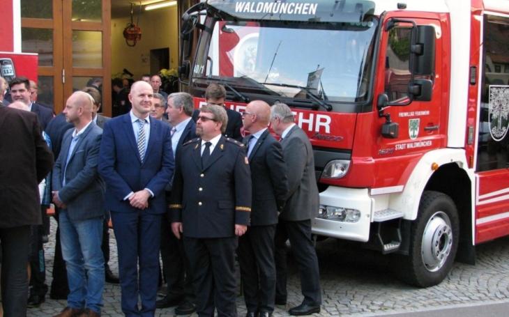 Lidé u hranic s Bavorskem se mohou cítit bezpečněji. Když bude třeba, čeští a němečtí hasiči zasáhnou společně