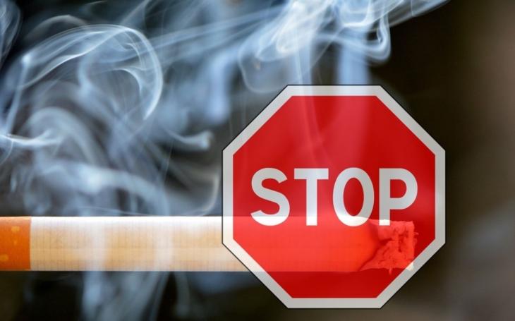 S poslední típnutou cigaretou skončila svoboda a kouřící pivaři přejdou do ilegality. Budou vznikat garážové hospody?