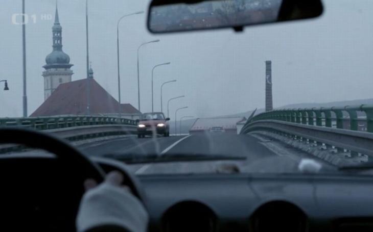Česká televize míří do Mostu. I vy si můžete zahrát v novém stejnojmenném seriálu, tvůrci hledají Čechy i Romy