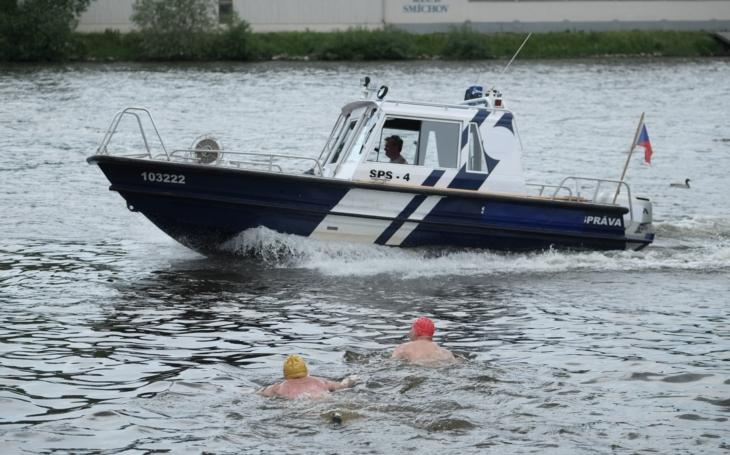 Střet dívky s vodním skútrem skončil tragicky; i na vodě musí platit pravidla bezpečného provozu. Jaká to jsou?