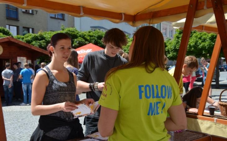 Začíná obroda dobrovolnictví. Program přehlídky ve Svitavách přilákal více než pět  žáků a studentů místních škol