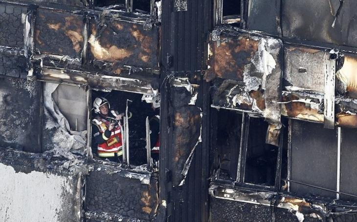 Ohnivé peklo v Praze. Stovku na to, že tohle po londýnském tragickém požáru napadlo skoro každého. Klíčový je rok 2006. A ten věžák, což se u nás neví…