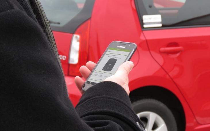Sdílená auta využívá stále více Čechů.  Šetří peníze, životní prostředí i prostor ve městech