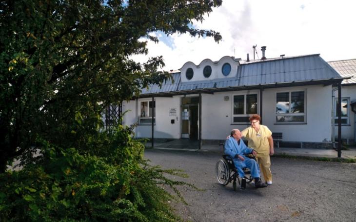 Olomoucký kraj plánuje ve Šternberku nový pavilon interny. Vyrůst by měl poblíž hlavního vstupu do nemocnice
