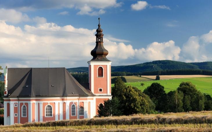 Unikátní broumovské kostely budou otevřeny pro turisty po celé léto, a to za dobrovolné vstupné. Je to velká událost, říká broumovský děkan