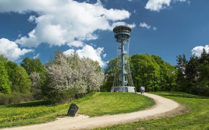 Cestovatelská soutěž Kompas láká k návštěvě památek podpořených z EU. Odměna za návštěvu hradu nebo koupaliště? I digitální foťák či kamera