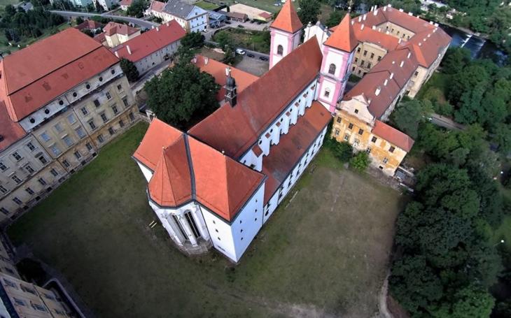 Část Louckého kláštera by se mohla proměnit ve vzdělávací centrum. Investice byla vyčíslena na desítky milionů