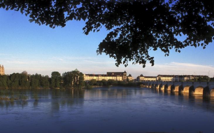 Báječná příležitost: Na zkušenou do Francie? Kraj nabízí osmiměsíční dobrovolnickou stáž a hledá mladé lidi