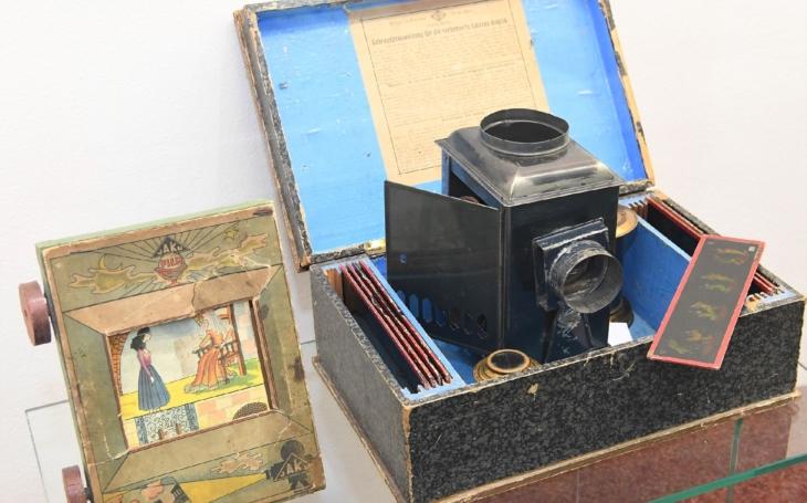 Plexi-hranol,  malé elektromagnetické dělo… Kdo si hraje, nezlobí; to platí v Technickém muzeu v Brně při návštěvě interaktivní výstavy