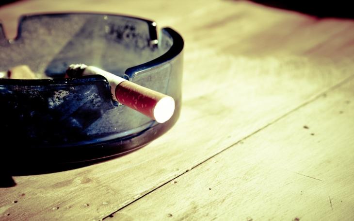 Stát a jeho dezinformace o protikuřáckém zákonu. Komentář Štěpána Chába