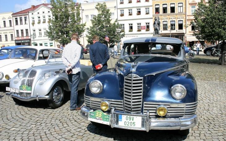 Nablýskaní veteráni dorazí do Frýdlantu a Frýdku-Místku. Na jubilejním dvacátém ročníku Beskyd rallye se sjede na 160 vozů a motorek