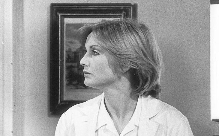 Být o generaci mladší, z fleku by mohla hrát Dianu. Doktorku Čeňkovou, která ji proslavila, ale zmákla jako bokovku. Měla totiž úplně jiné starosti. Tajnosti slavných