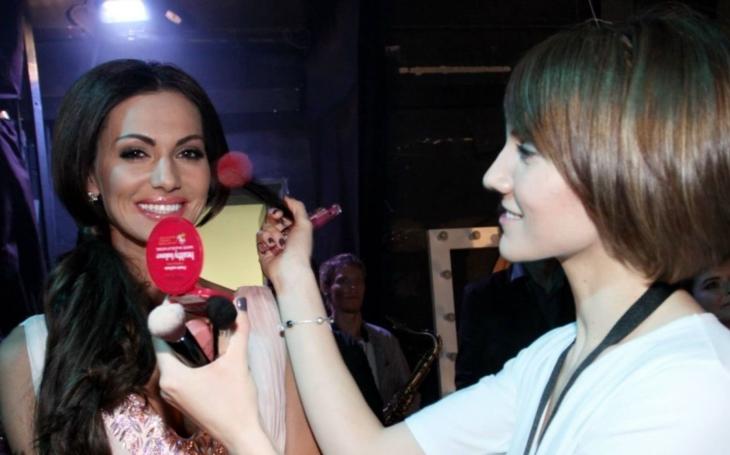 Stala se Miss České republiky, stejně ale trpěla mindráky. Dnes tvrdí, že je anorexie pryč, a lítá s prcky na táboře