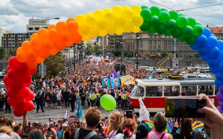 Ohrožuje exploze homosexuality budoucnost lidstva? Pondělní komentář Pavla Přeučila