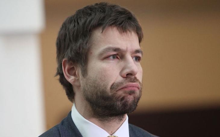 Další skandál v kauze Babišova Čapího hnízda: Ministr spravedlnosti Pelikán prohlásil, co si o tom myslí, a pak vzal rychle zpátečku