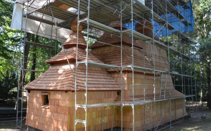 Kostelík v Jiráskových sadech v Hradci Králové má nový kabát, opravy vyjdou na necelých 19 milionů korun