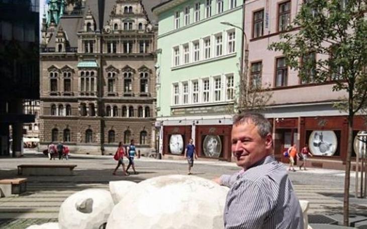 Pořádně nebezpečné stádo se řítí plnou parou na Liberec. Osobně ho představí muž, který dobře ví, o čem mluví