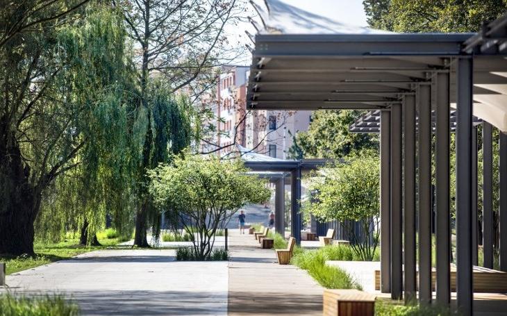 Rodinný dům, dostavba památky, administrativní a vývojové centrum i revitalizace parku... Pardubický kraj vyhlásil nové Stavby roku 2017