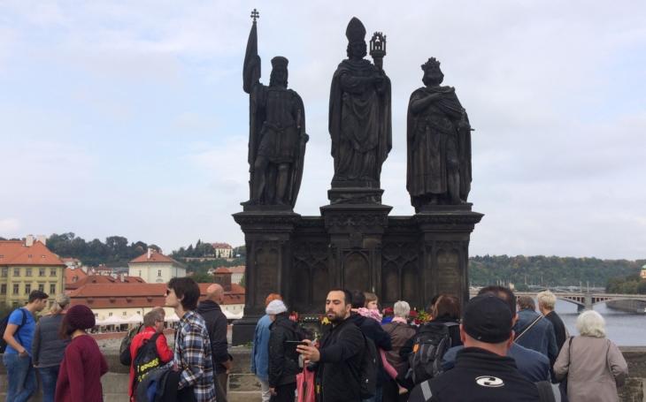 Nečekaná smrt Jana Třísky je plná záhad. Proč nesmějí mluvit svědci a jsou zablokované diskuse?
