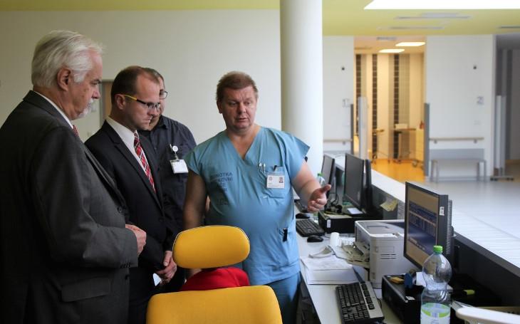 Ošetří až 42 tisíc pacientů, obdivuje Netolický královéhradeckou nemocnici. Přečtěte si, co po návštěvě nemocnice začal plánovat