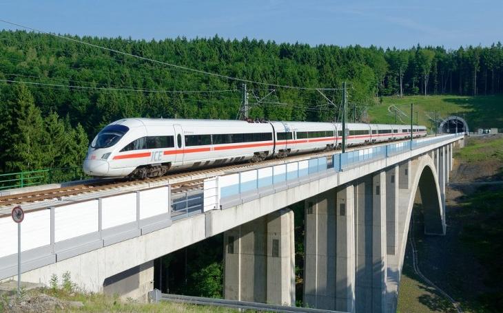 Jsme pomalí. Vlaky z Berlína do Vídně se začnou vyhýbat České republice, pojedou delší trasou, ale rychleji