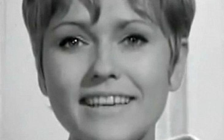 V patnácti převálcovala Semafor, duet s ní považoval za čest i Petr Novák. A pak… Tajnosti slavných
