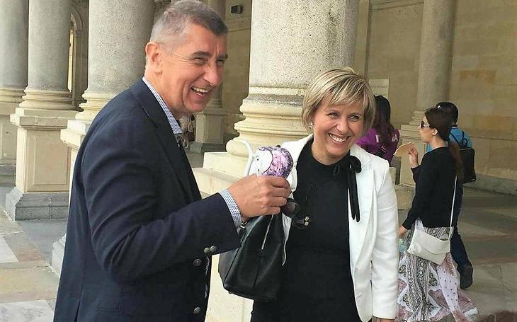 Nově zvolená poslankyně za hnutí ANO má problém. Stejný smetl  jejího předchůdce