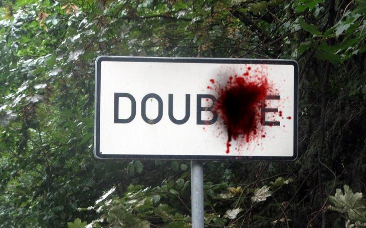 Tragická smrt čtrnáctileté dívky. Vražda, nebo jen náhoda při hrátkách BDSM? 50 odstínů šedi v severočeské Doubici