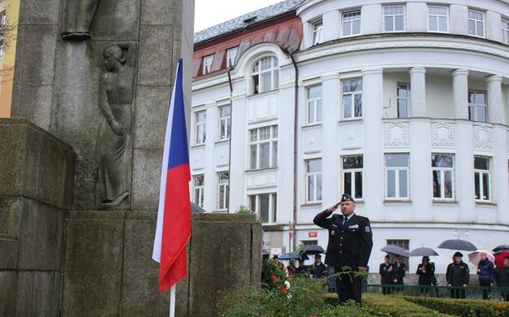 Musíme usilovat o svobodné, demokratické a suverénní Česko, hřímal primátor Jablonce při oslavách 28. října