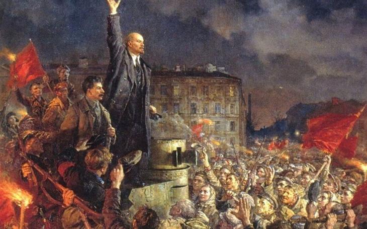 Velká říjnová revoluce aneb bude se umírat, i kdyby na rakve nebylo. Komentář Štěpána Chába