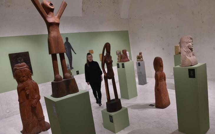 Mícháme kultury. Brno hostí výstavu romského umění a bojuje tím proti stereotypům