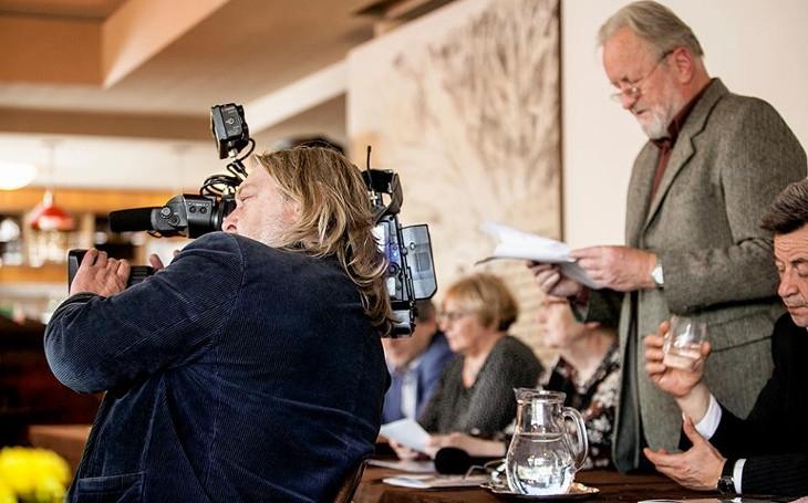 Někdejší chartista Tomáš Hradílek bojuje proti demokracii hladovkou. Prostě trucuje... Komentář Štěpána Chába