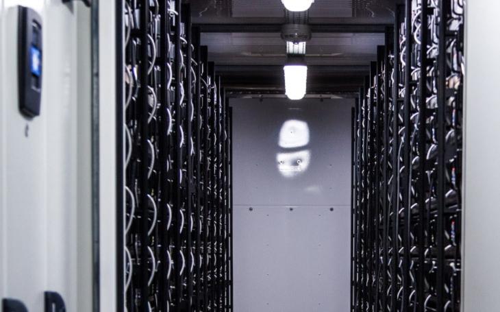 Energetika příští generace. Největší bateriové úložiště ve střední a východní Evropě vyroste příští rok u obce Ochoz na Olomoucku