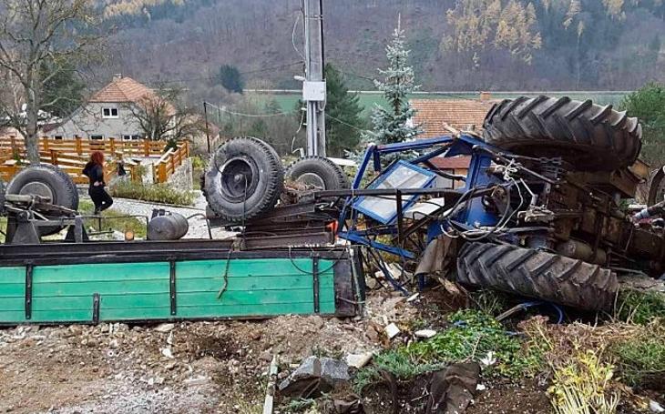 Osmadvacetiletý řidič nepřežil. V Omicích na Brněnsku došlo k tragické nehodě traktoru