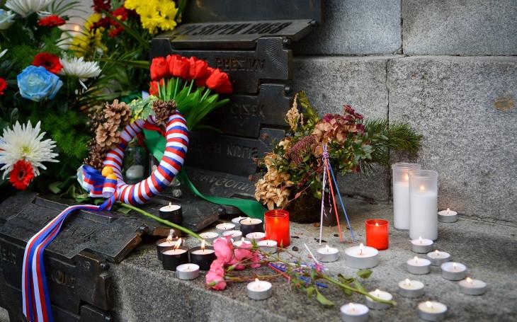 FOTO Jak jde čas, pamětníků ubývá. Bylo by dobré ale nezapomenout na půlstoletí krutosti, strachu a děsu... 17. listopad v Liberci