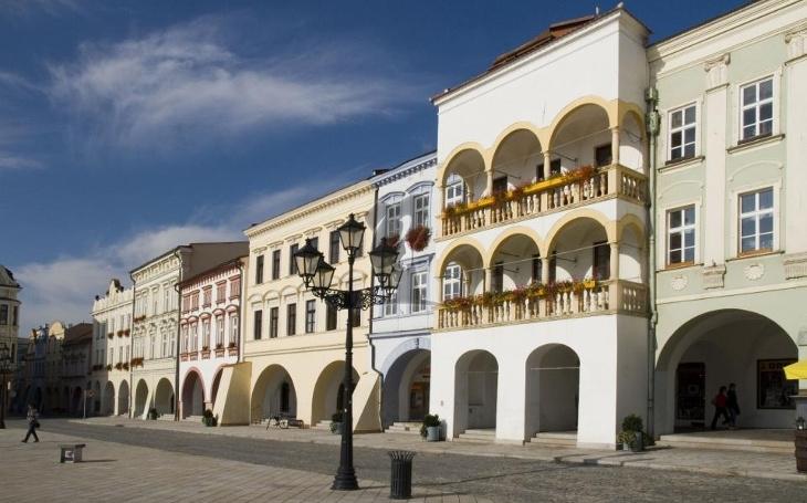 V 16. století ji postavil purkmistr Ondřej Řepa, dodnes se dochovala téměř v původním stavu. Teď dostala Stará pošta i nový kabát
