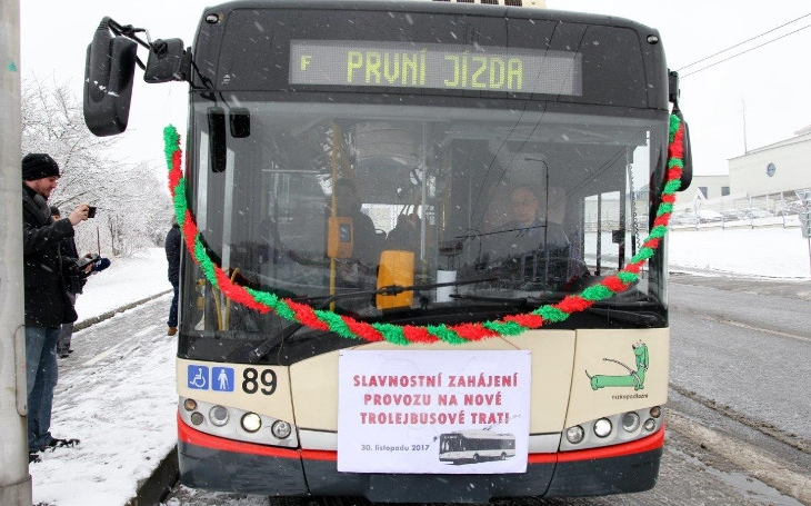Trolejbusová linka teď jezdí až do Starých Hor. Lidi, nechte auta doma, říká primátor Jihlavy